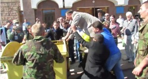 В Кіровограді депутата від ПР закинули в сміттєвий бак