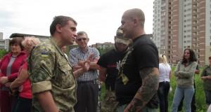 «Правий сектор» разом із львів'янами відбивав стадіон від «тітушок»