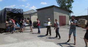 Львівські волонтери відправили у Волноваху вагон медобладнання та іншої гуманітарки