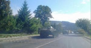 """Військову техніку, яка рухалась в бік Мукачева зустріли вигуками """"ганьба"""""""