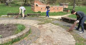 Громадський сектор НР ДІЯ Львівщини прибирав Замарстинівський парк Львова