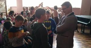 Боєць-доброволець розповів львівським школярам про війну на Донбасі