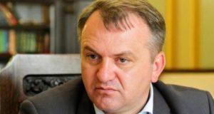 Олег Синютка позбавив 70 бійців-добровольців землі
