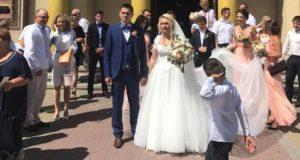 Пара волонтерів віддали весільні гроші на АТО