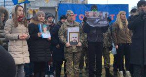 STOP PUTIN STOP WAR: на Майдані Незалежності українці нагадали світові про кровопролитну війну на сході країни