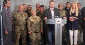 Брифінг у Верховній раді України з приводу необхідності прийняття законопроекту №7190 по визнанню добровольців. Участь беруть народні депутати України, а також – представники «Об'єднання добровольців»