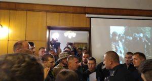 Не встиг прописатися, як просять забиратися: львівські активісти вимагали відставки начальника ГУ Нацполіції Львівщини