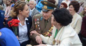 Бійці-добровольці проти того, аби їхні інтереси захищала особа з проросійськими поглядами — Наталія Королевська