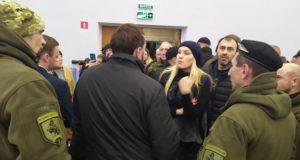 Ми воювали – Садовий крав! Учасники українсько-російської війни завітали в гості до Андрія Садового