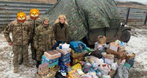Зі Львова до Луганської області! Волонтери доставили гостинці та необхідні речі.