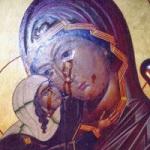 У багатьох монастирях України та Росії почали плакати ікони