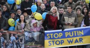 Львів'яни синхронно з українцями з 50-ти країн світу вимагали припинити російську агресію в Україні