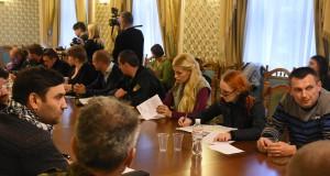 Приміщення «Російського культурного товариства ім. Пушкіна» передадуть АТОвцям. Нині провели обговорення.